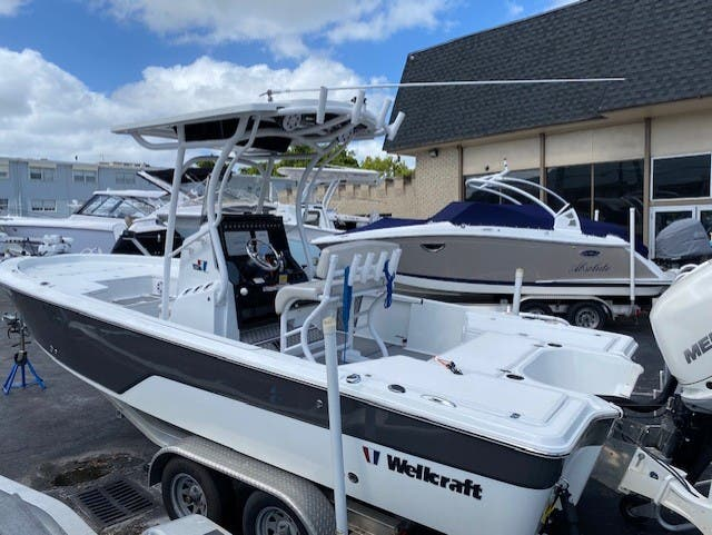 Awesome 2017 Wellcraft 241 – Available for Immediate Delivery