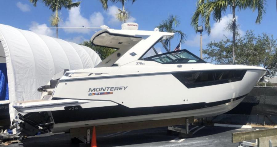 2017 Monterey 378 SE Super Loaded, lift kept | 37ft