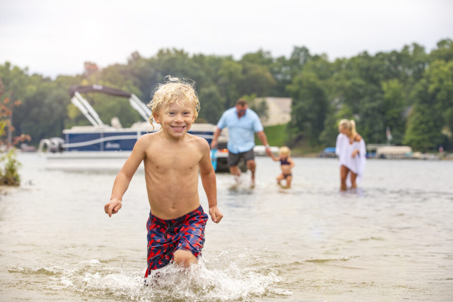 The Best Boat for Families (According to the Experts)